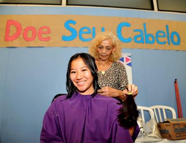 Ação na Poli de doação de cabelo para pacientes de câncer | Foto: Cecília Bastos/USP Imagens