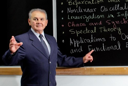 Hildebrando contribuiu para a formação de mais de quatro mil alunos