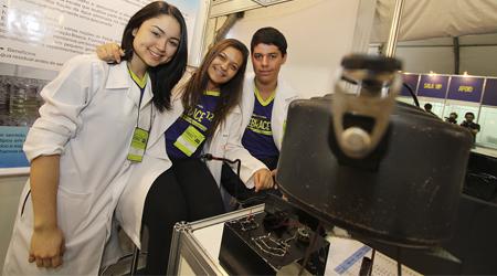 Foto: Marcos Santos / USP Imagens  Promovida anualmente pela Poli, Febrace é o maior evento brasileiro pré-universitário de ciências e engenharia