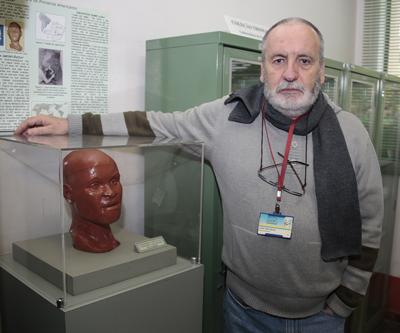 Professor Walter Neves Foto: Marcos Santos