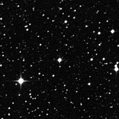 A estrela ultra pobre em metais 2MASS J18082002-5104378 no centro da imagem. Foto: the STScI Digitized Sky Survey