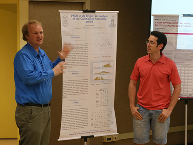 Apresentação de posters durante o evento. Foto: Divulgação