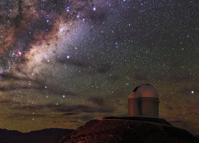 Observatórios, como o de La Silla, no norte do Chile, vão melhorar a precisão da localização das fontes de ondas gravitacionais - Foto: ESO/Iztok Bončina