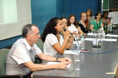 A aluna Ana Carolina Souza | Foto: Marcos Santos/USP Imagens