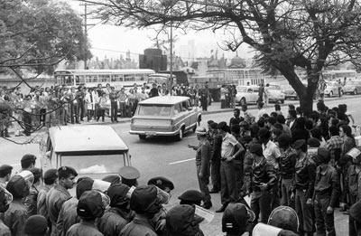 Estudantes presos na Faculdade de Medicina da USP em 1977 | Foto: Reginaldo Manente / AE