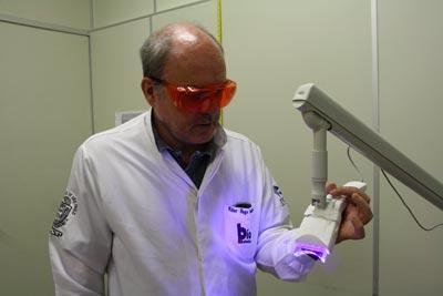 Luz Violeta Pode Ser Usada Como Clareador Dental Mostra Estudo